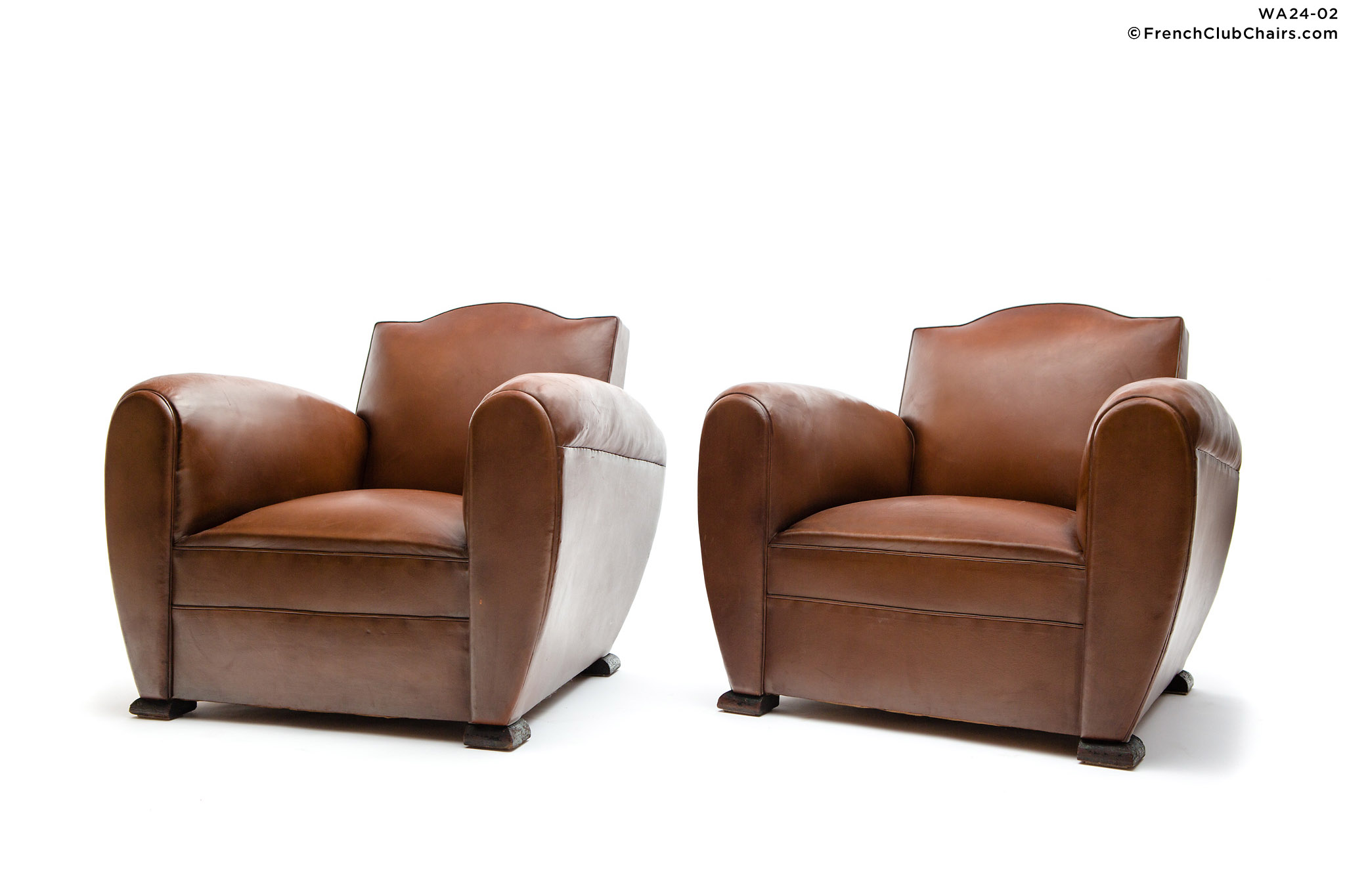 WA24-02_GENDARMELEHAVREFONCEPAIR_W_1TQ-v01-williams-antiks-leather-french-club-chair-wa_fcccom_w