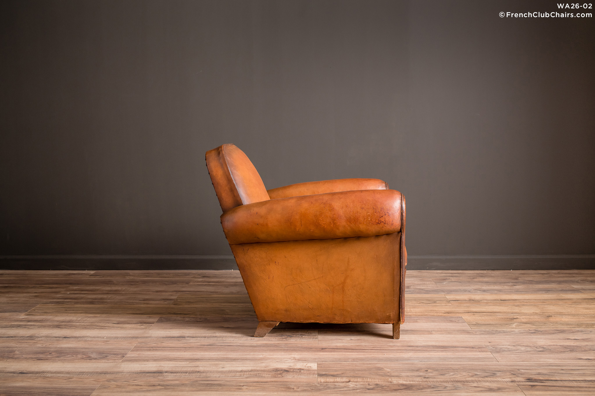 WA_26-02_Vesoul_Library_Solo_R_3RT-v01-williams-antiks-leather-french-club-chair-wa_fcccom