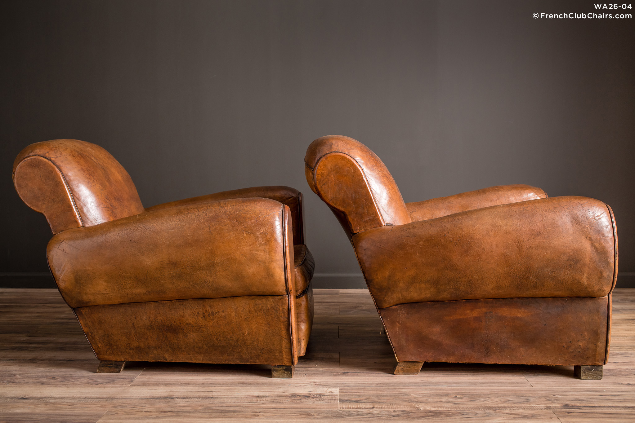 WA_26-04_La_Jura_Rollback_Ancien_Pair_R_3RT-v01-williams-antiks-leather-french-club-chair-wa_fcccom