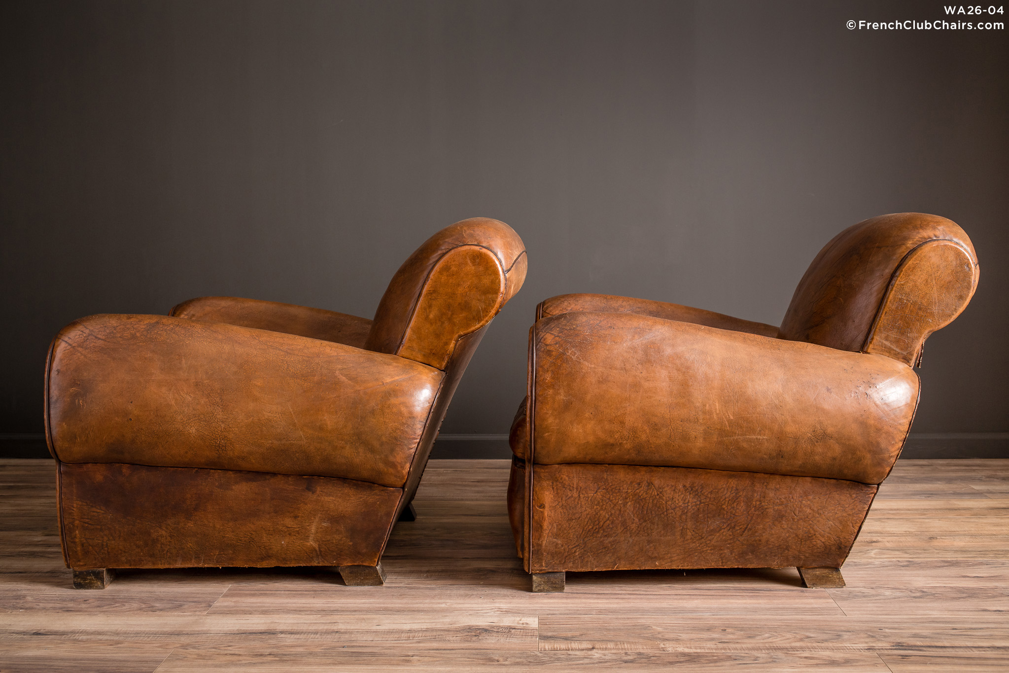 WA_26-04_La_Jura_Rollback_Ancien_Pair_R_4LT-v01-williams-antiks-leather-french-club-chair-wa_fcccom