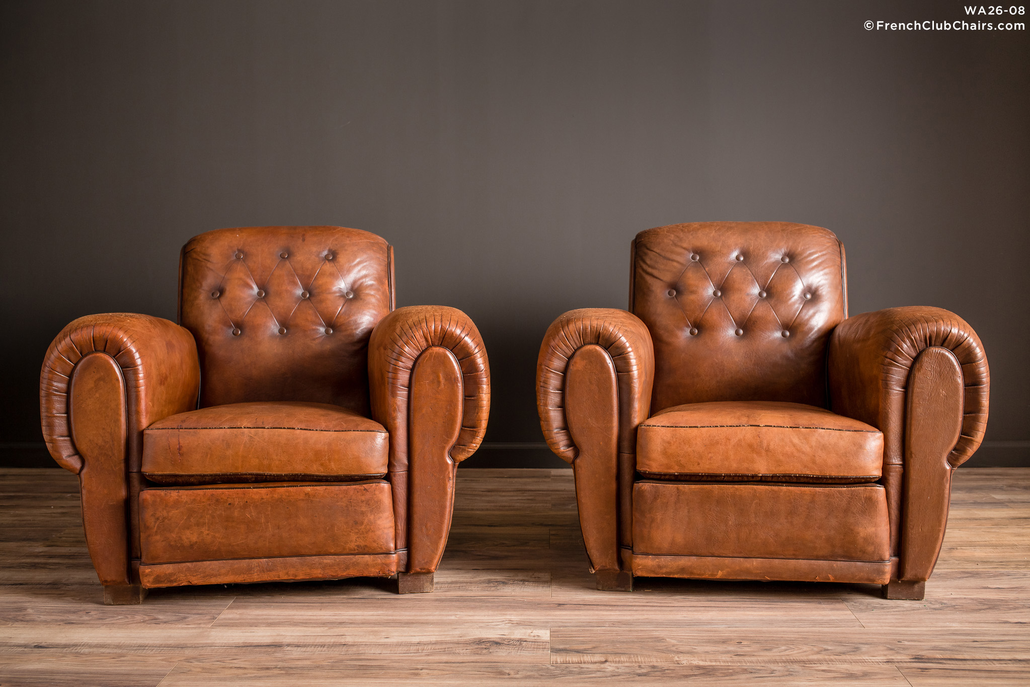 WA_26-08_Pigalle_Rollback_Classic_Pair_R_1TQ-v01-williams-antiks-leather-french-club-chair-wa_fcccom