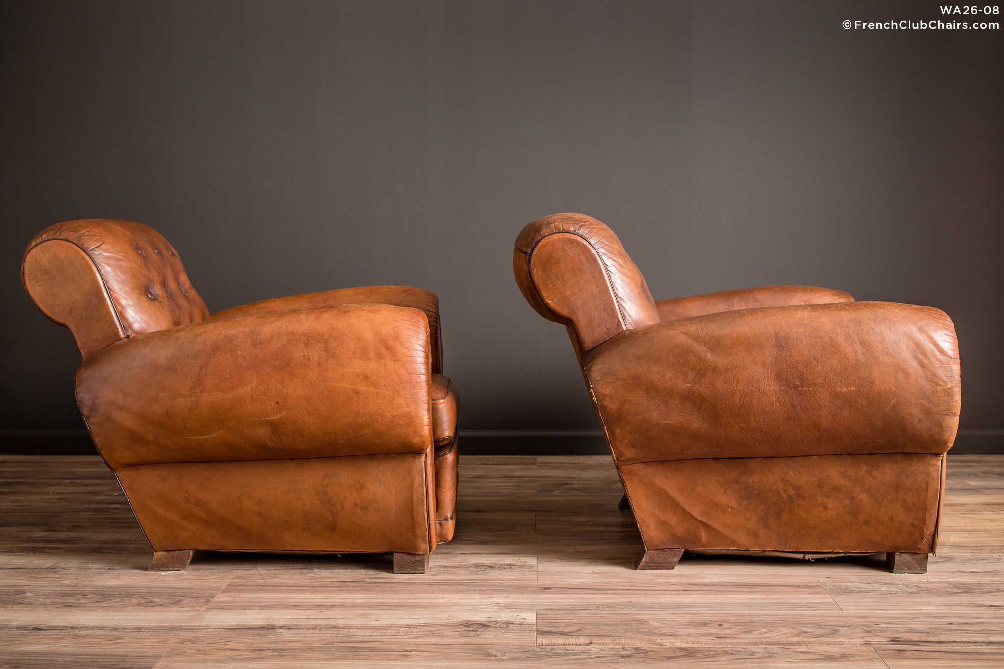 WA_26-08_Pigalle_Rollback_Classic_Pair_R_3RT-v01-williams-antiks-leather-french-club-chair-wa_fcccom