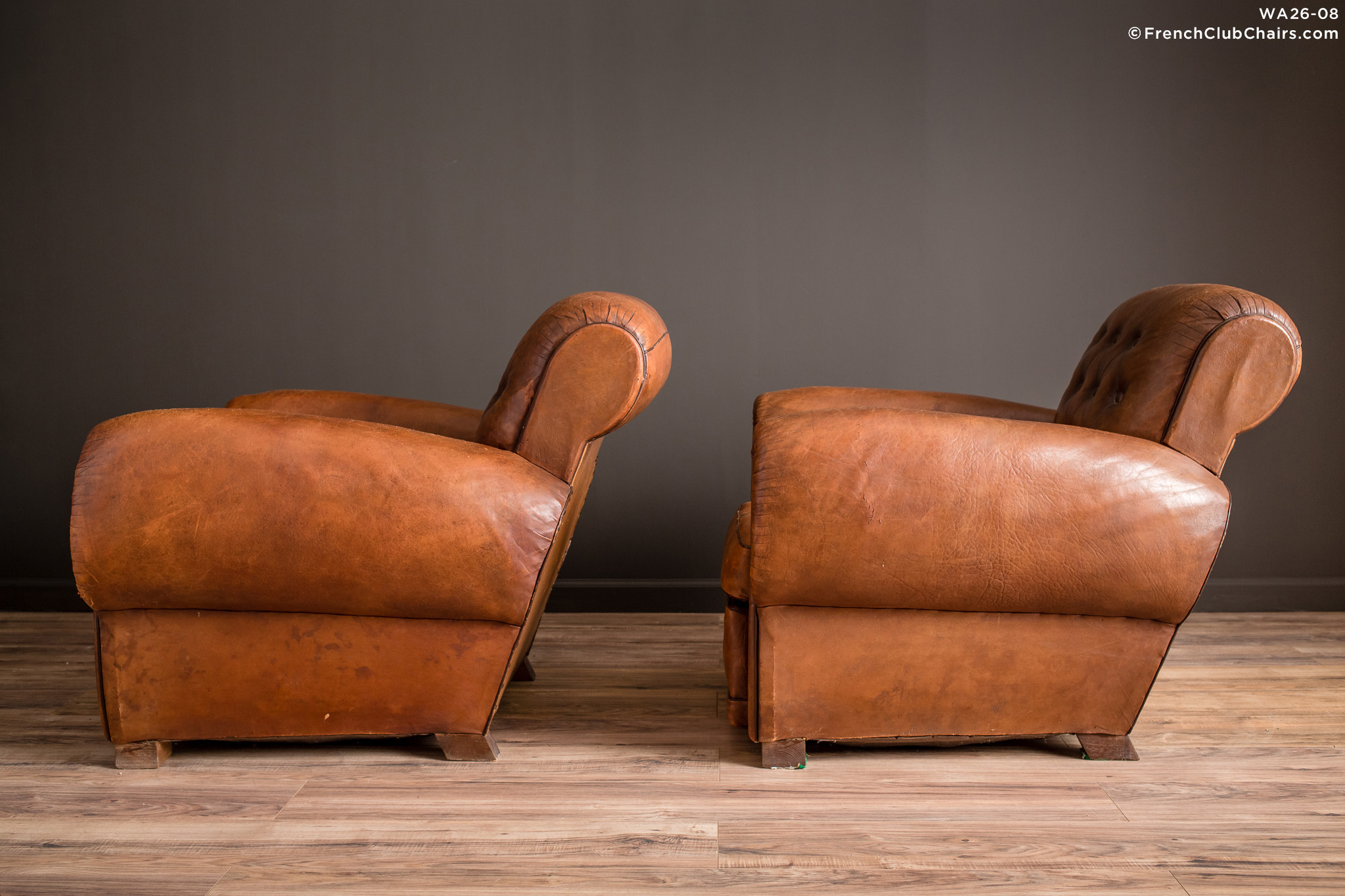 WA_26-08_Pigalle_Rollback_Classic_Pair_R_4LT-v01-williams-antiks-leather-french-club-chair-wa_fcccom