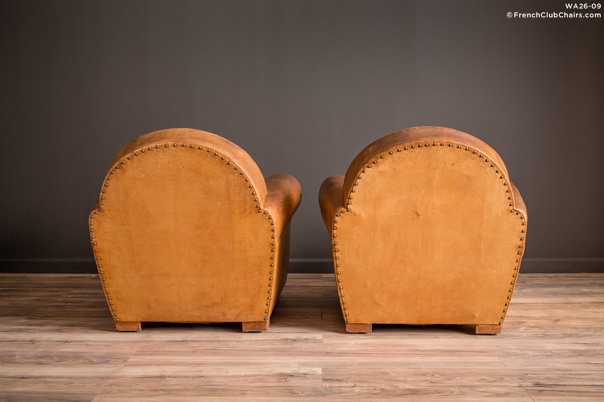 WA_26-09_Bern_Cinema_Clair_pair_R_2BK-v01-williams-antiks-leather-french-club-chair-wa_fcccom