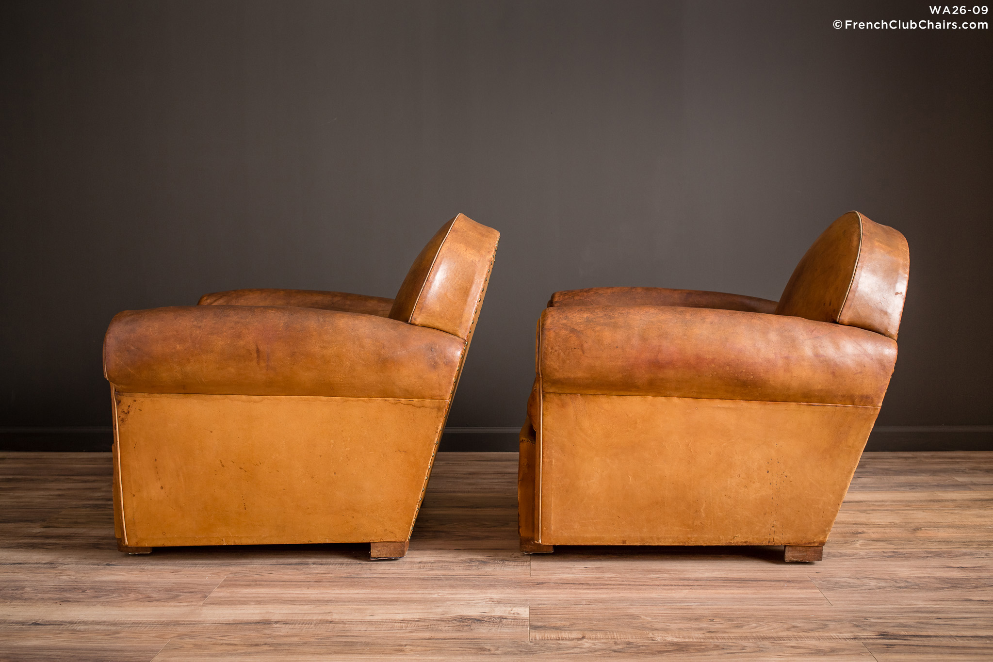 WA_26-09_Bern_Cinema_Clair_pair_R_4LT-v01-williams-antiks-leather-french-club-chair-wa_fcccom