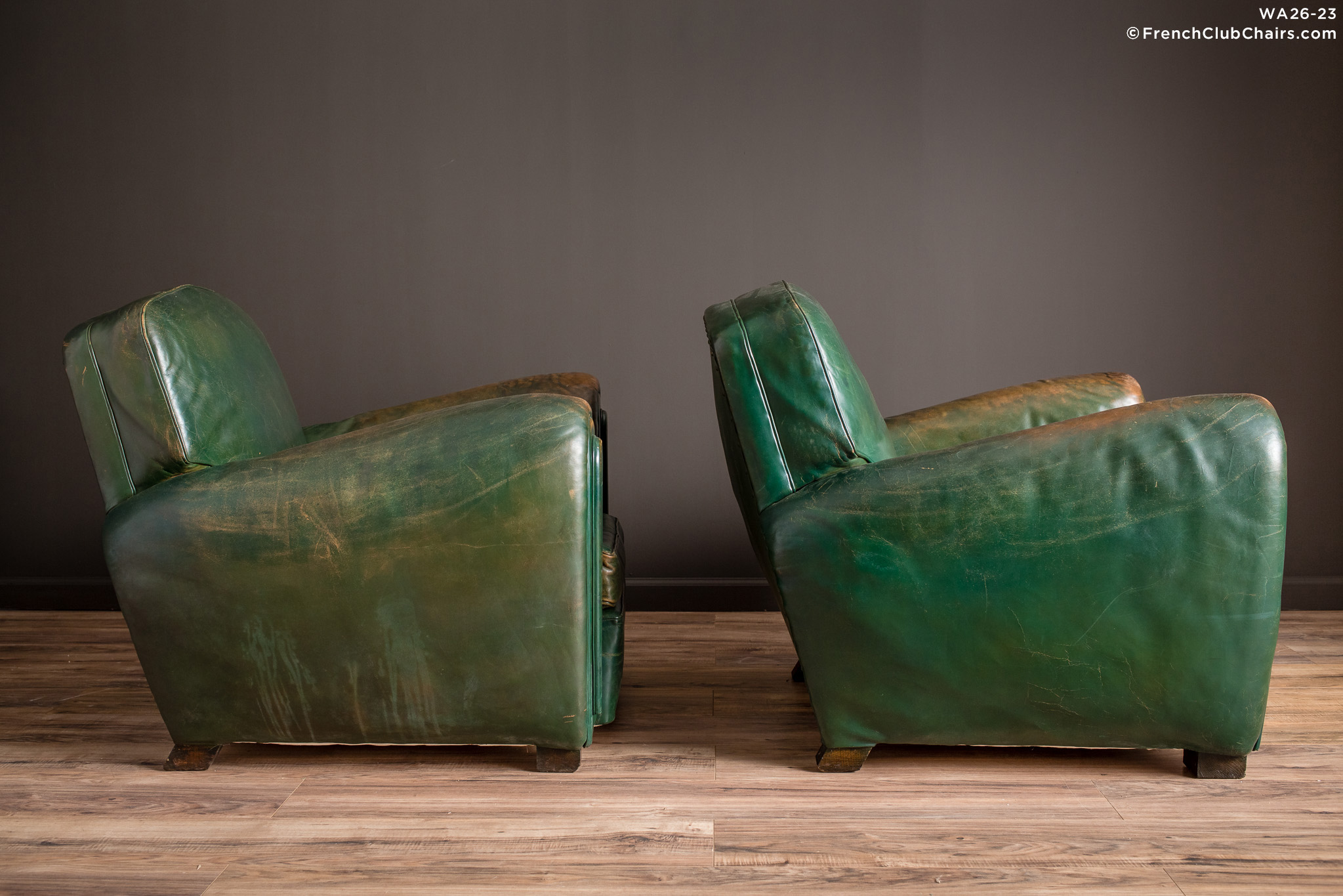 WA_26-23_Chairs_Green_Salon_Library_R_3RT-v01-williams-antiks-leather-french-club-chair-wa_fcccom