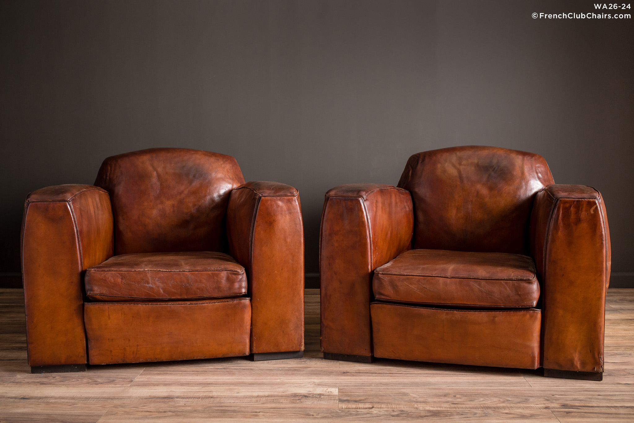 WA_26-24_Jean_Moulin_1920s_Lounge_Pair_R_1TQ-v01-williams-antiks-leather-french-club-chair-wa_fcccom
