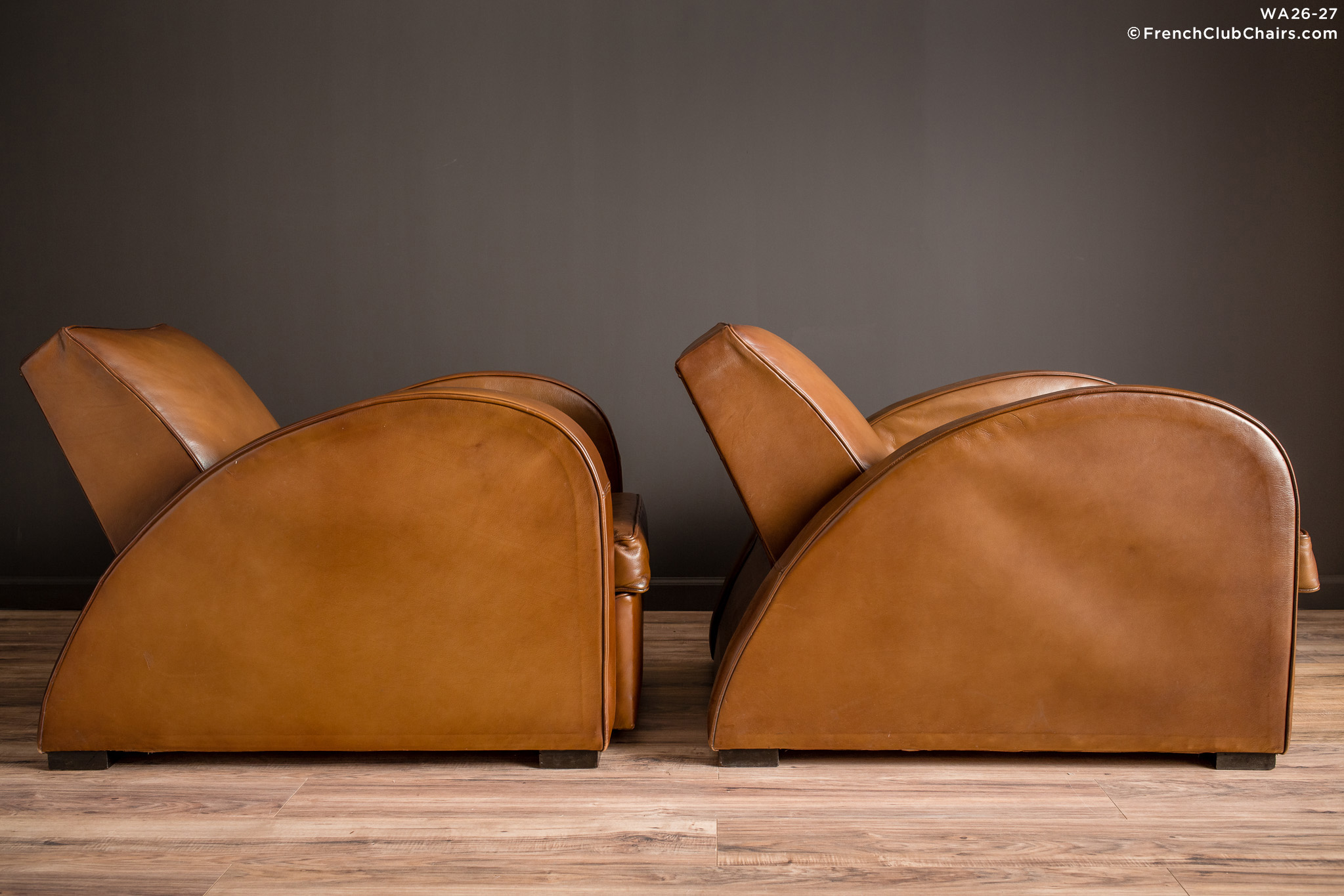 WA_26-27_Streamline_Classic_Square_Pair_R_3RT-v01-williams-antiks-leather-french-club-chair-wa_fcccom