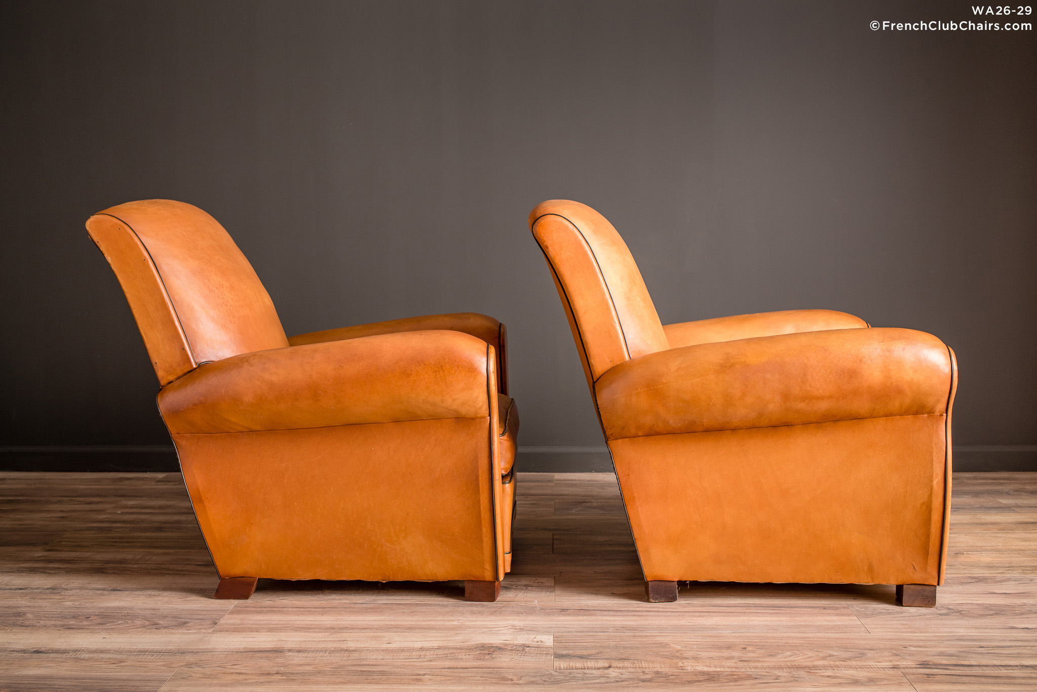 WA_26-29_Samur_Slope_Pair_R_3RT-v01-williams-antiks-leather-french-club-chair-wa_fcccom