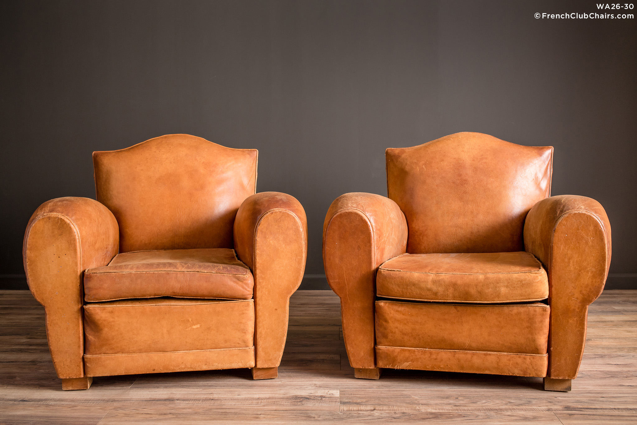 WA_26-30_Giverny_Gendarme_Light_Caramel_Pair_R_1TQ-v01-williams-antiks-leather-french-club-chair-wa_fcccom