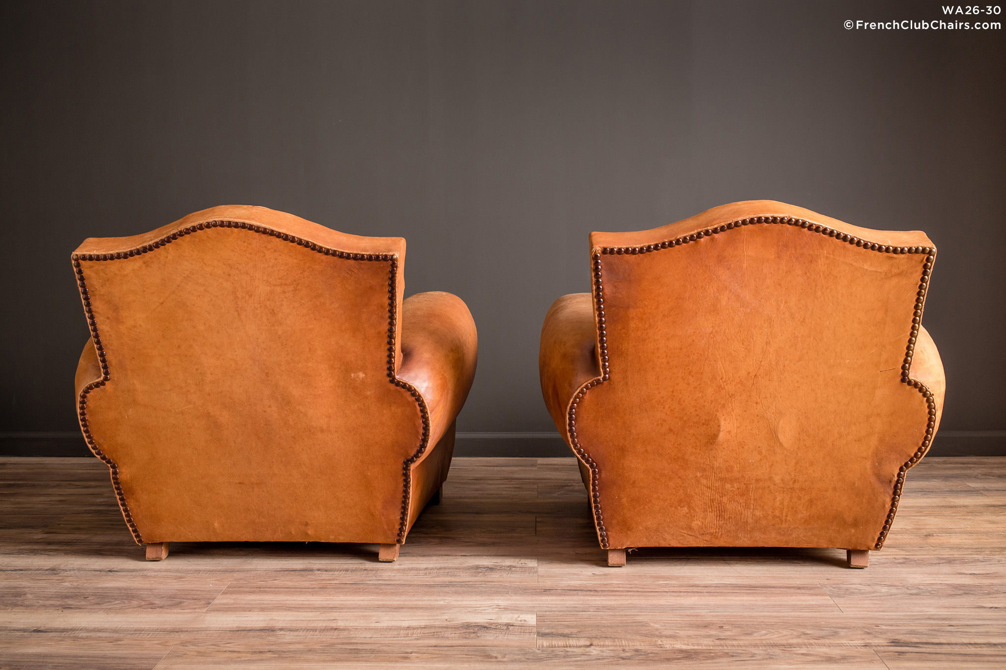 WA_26-30_Giverny_Gendarme_Light_Caramel_Pair_R_2BK-v01-williams-antiks-leather-french-club-chair-wa_fcccom