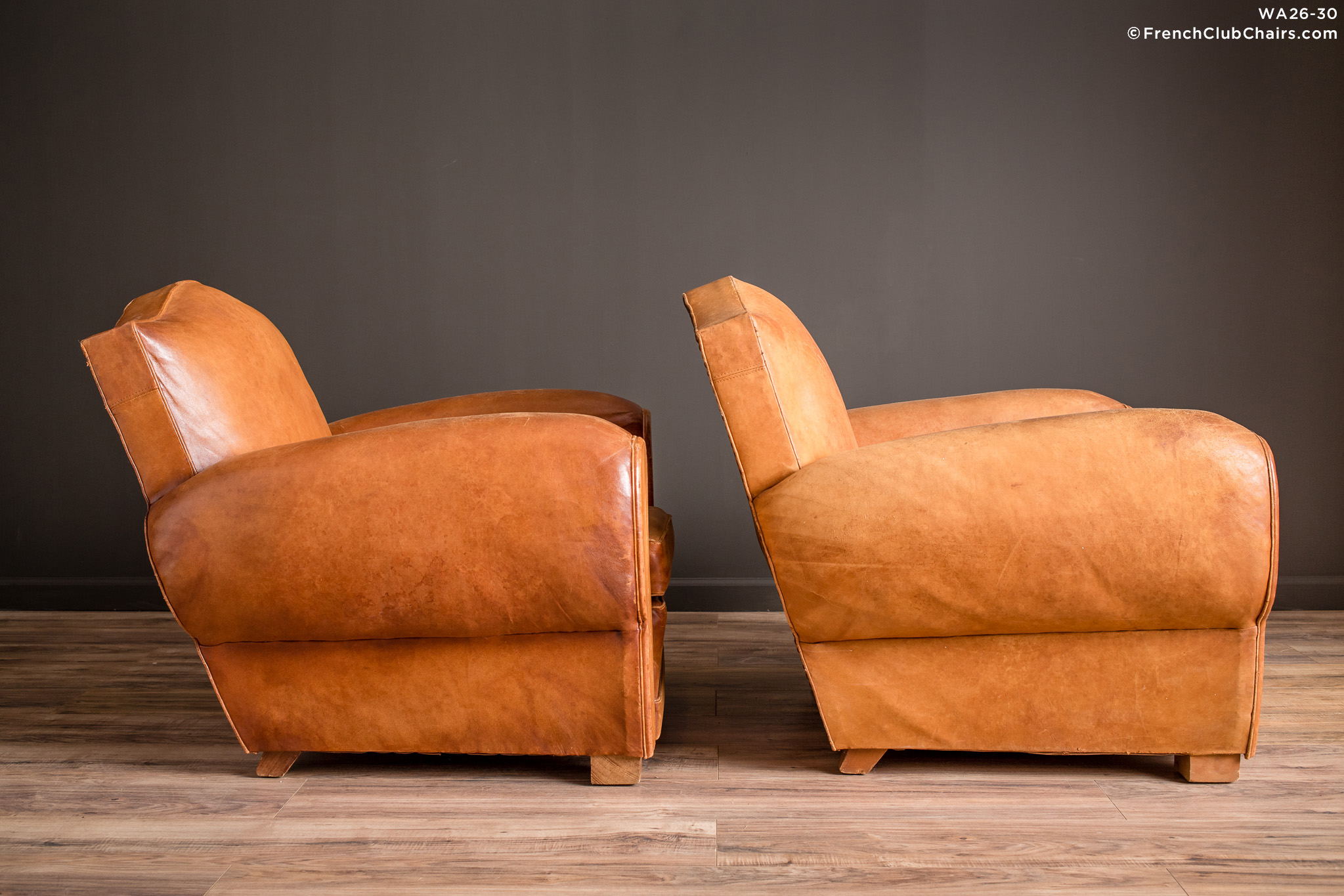 WA_26-30_Giverny_Gendarme_Light_Caramel_Pair_R_3RT-v01-williams-antiks-leather-french-club-chair-wa_fcccom