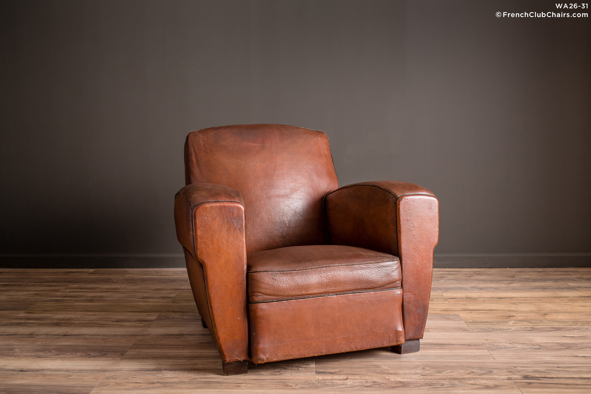 WA_26-31_Lemans_Library_Square_Solo_R_1TQ-v01-williams-antiks-leather-french-club-chair-wa_fcccom
