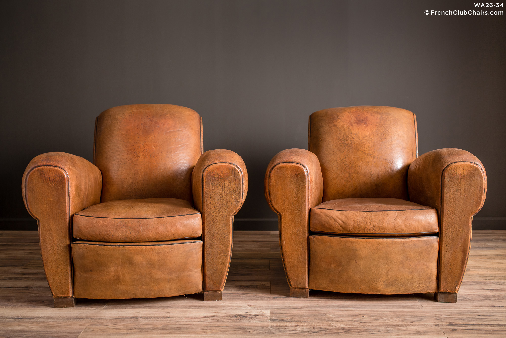 WA_26-34_Degaulle_Giant_Lounge_Pair_R_1TQ-v01-williams-antiks-leather-french-club-chair-wa_fcccom
