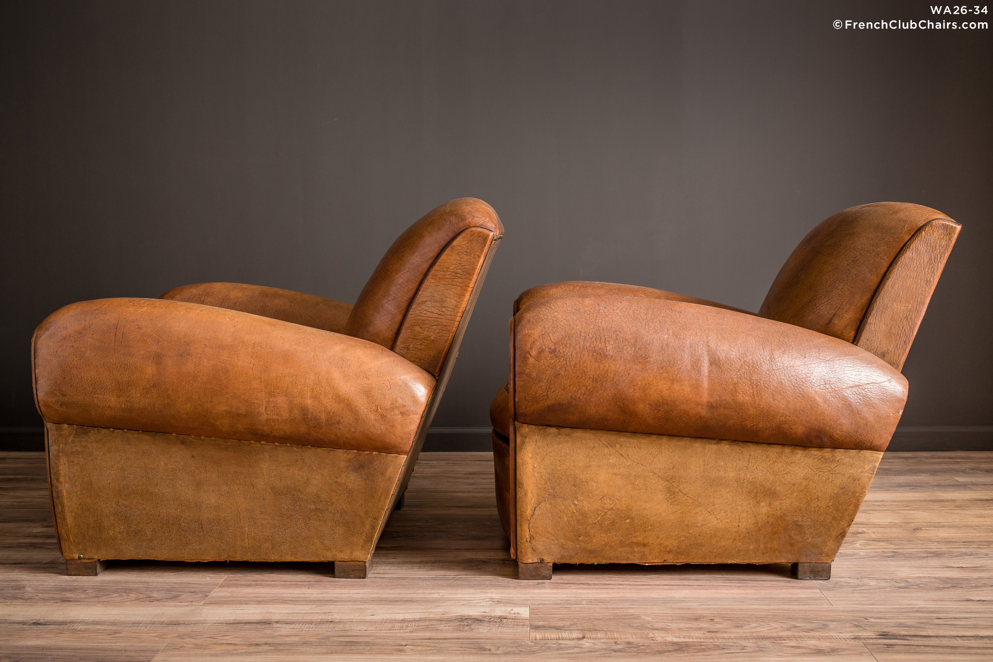 WA_26-34_Degaulle_Giant_Lounge_Pair_R_4LT-v01-williams-antiks-leather-french-club-chair-wa_fcccom