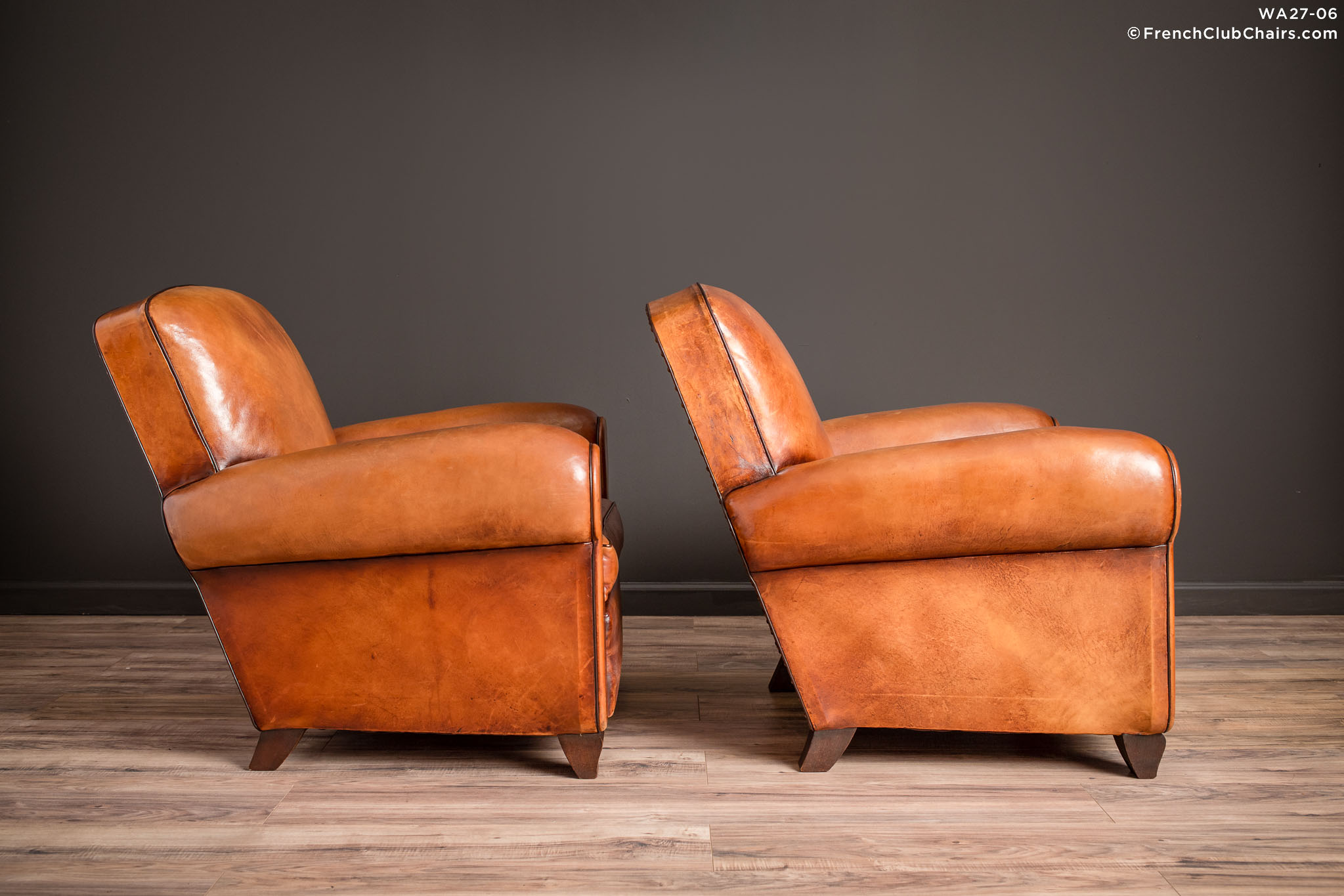 WA_27-06_Library_Giverny_Cognac_Pair_R_3RT-v01-williams-antiks-leather-french-club-chair-wa_fcccom