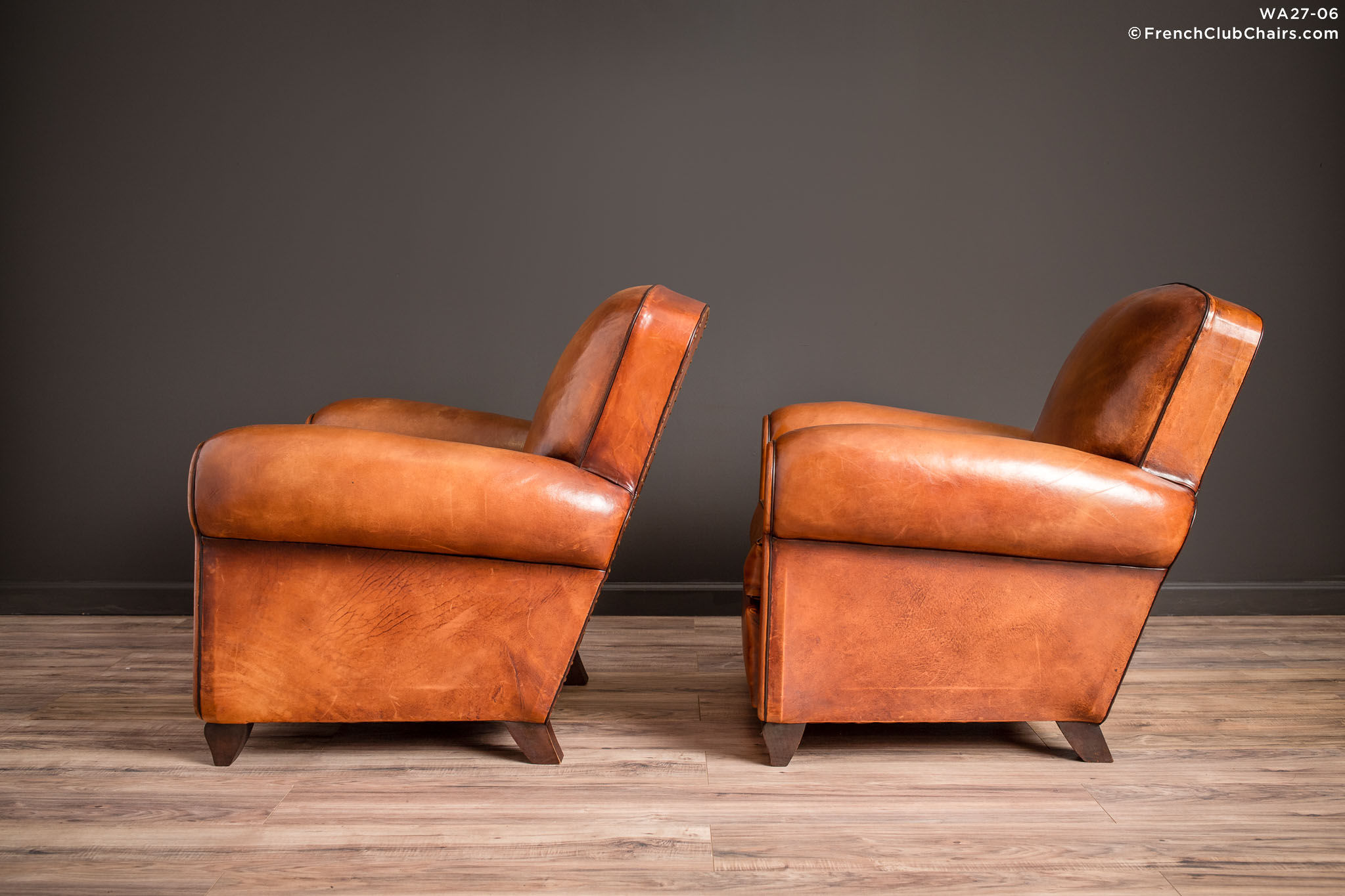 WA_27-06_Library_Giverny_Cognac_Pair_R_4LT-v01-williams-antiks-leather-french-club-chair-wa_fcccom