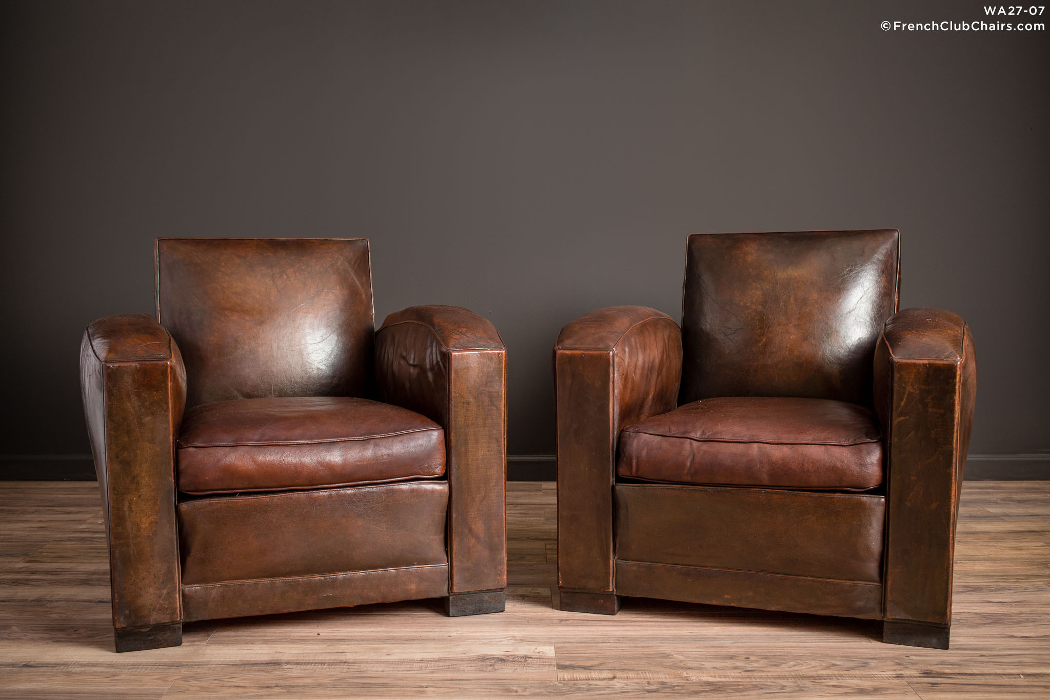 WA_27-07_La_Republic_Square_Lounge_Pair_R_1TQ-v01-williams-antiks-leather-french-club-chair-wa_fcccom