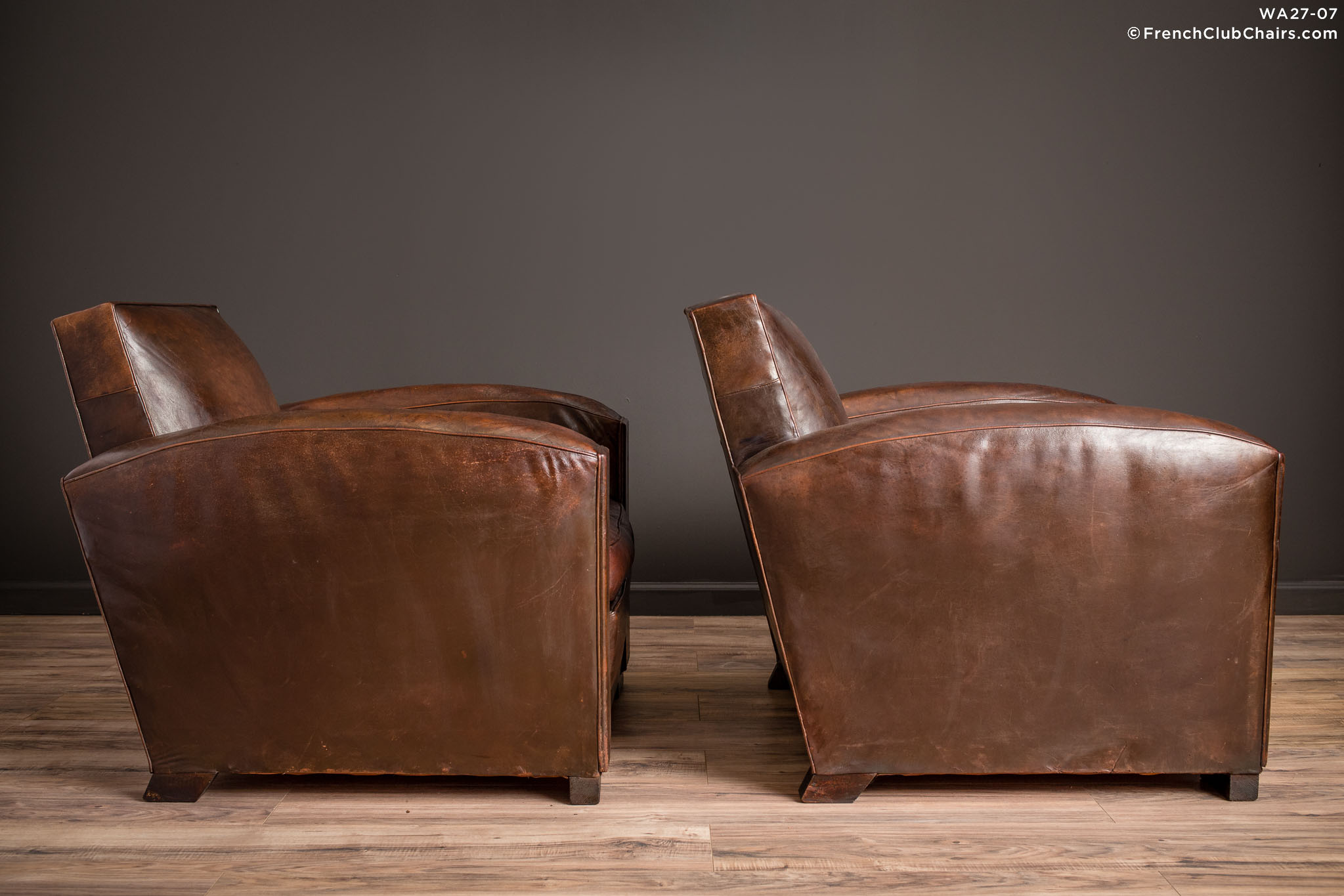 WA_27-07_La_Republic_Square_Lounge_Pair_R_3RT-v01-williams-antiks-leather-french-club-chair-wa_fcccom