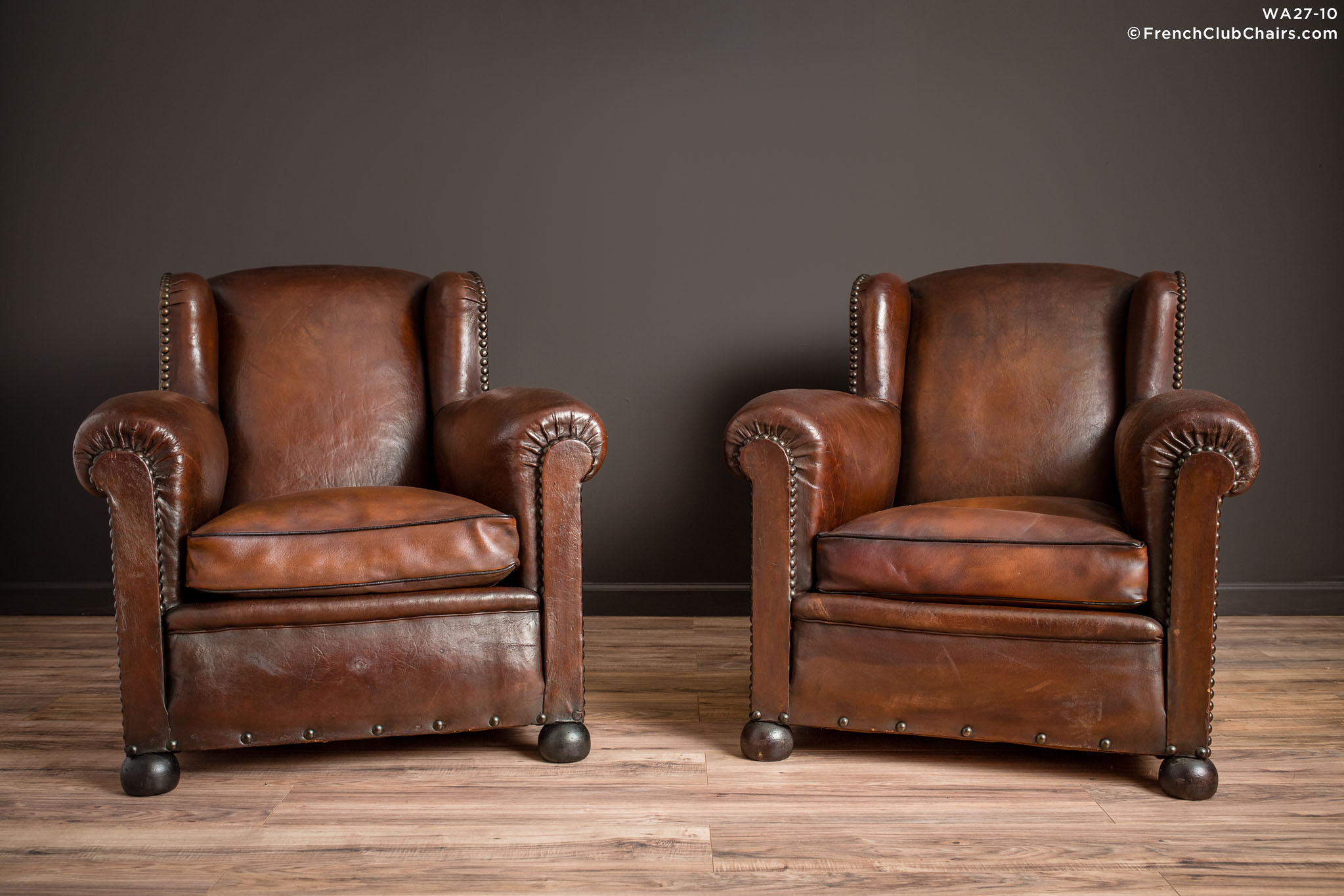 WA_27-10_The_Kings_Wingback_Pair_R_1TQ-v01-williams-antiks-leather-french-club-chair-wa_fcccom