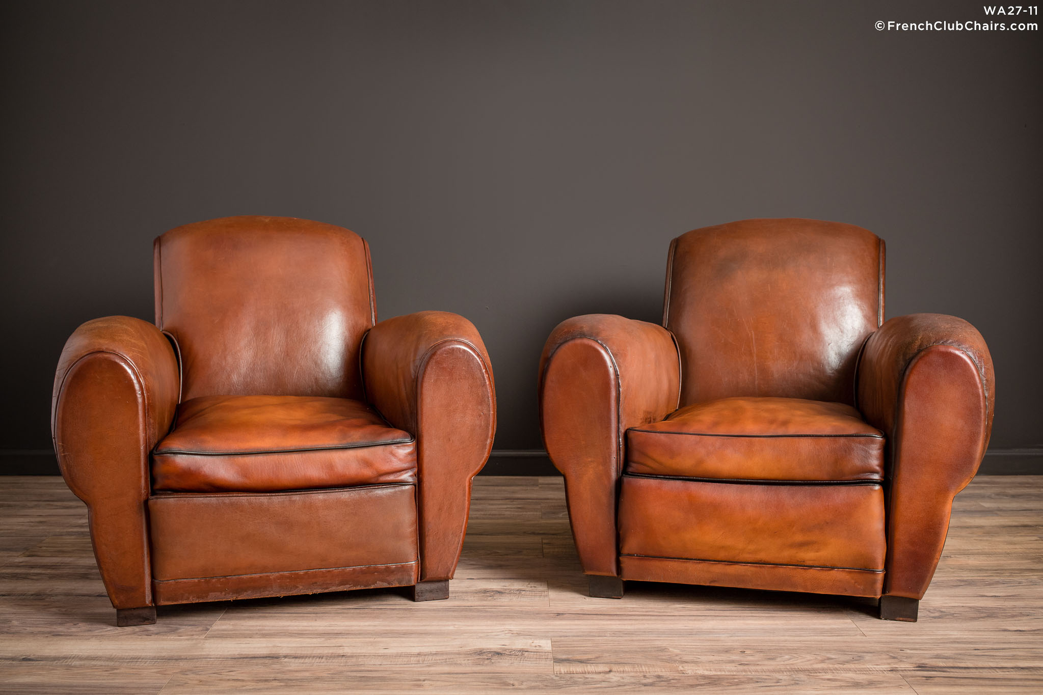WA_27-11_Chatou_Rollback_Pair_R_1TQ-v01-williams-antiks-leather-french-club-chair-wa_fcccom