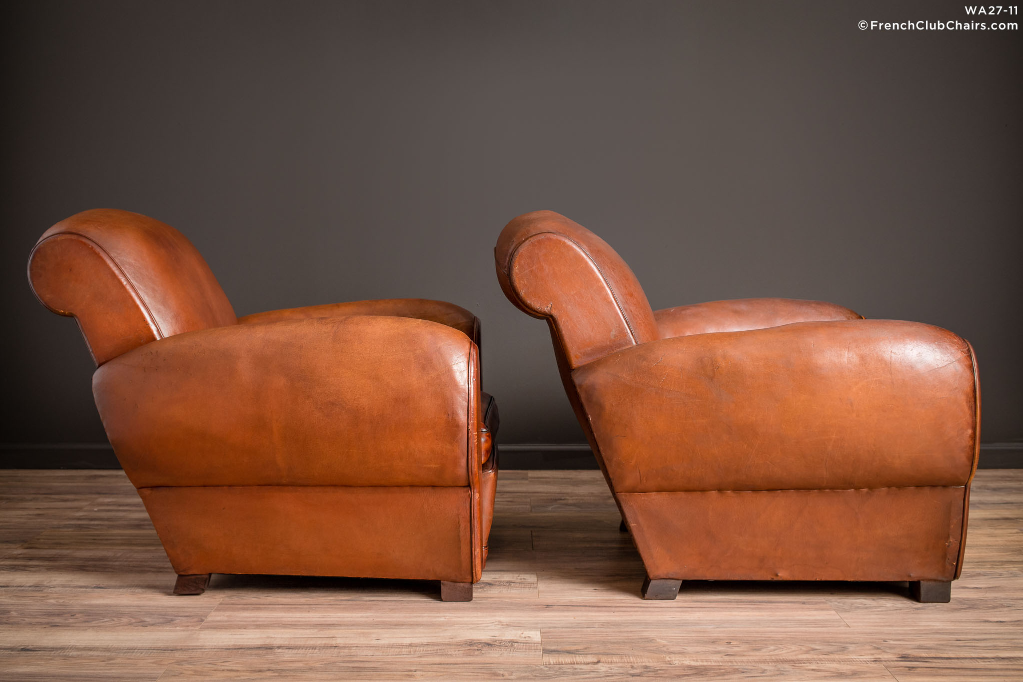 WA_27-11_Chatou_Rollback_Pair_R_3RT-v01-williams-antiks-leather-french-club-chair-wa_fcccom