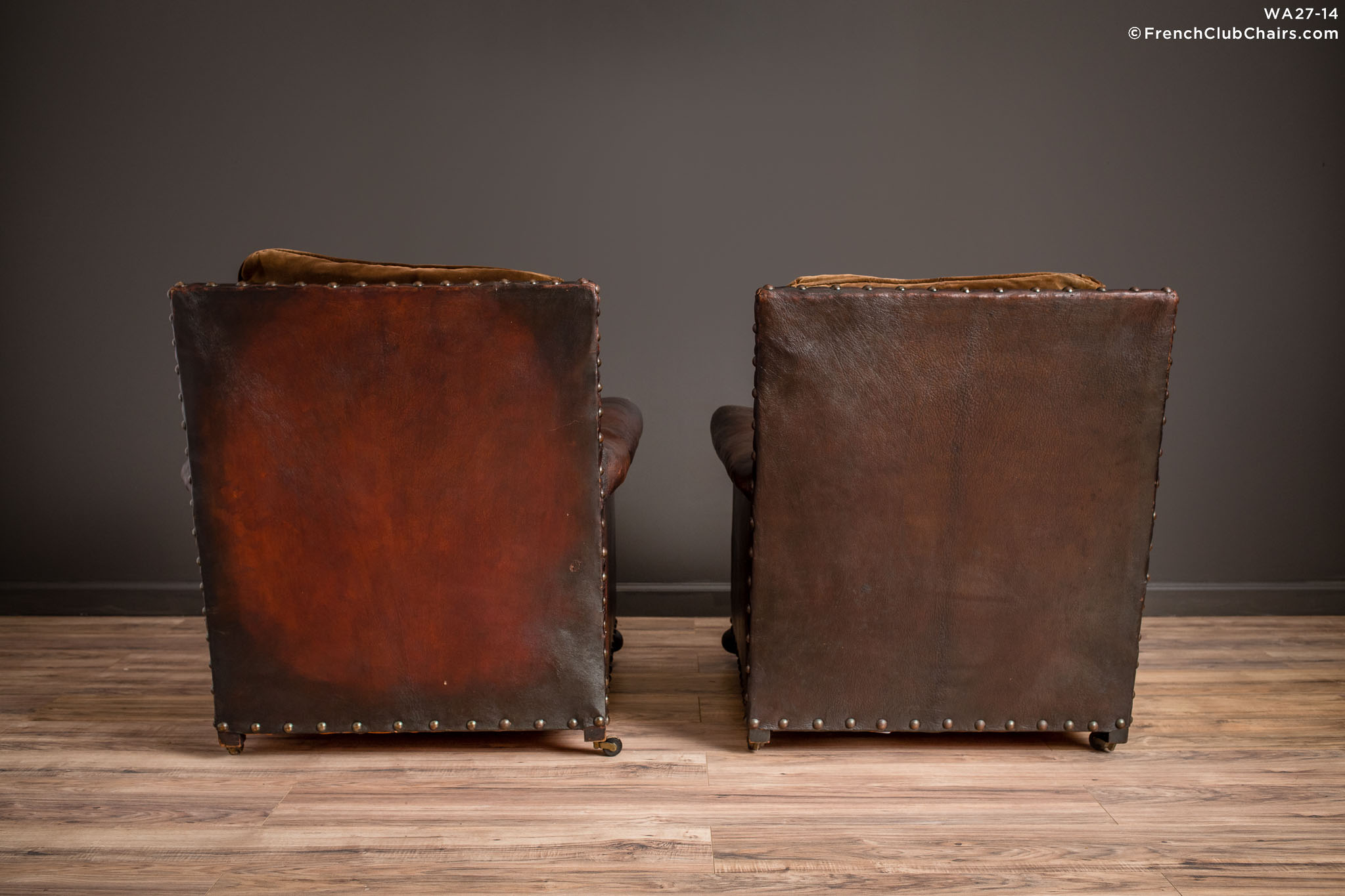 WA_27-14_Ile_de_St_Louis_Nailed_Square_Pair_R_2BK-v01-williams-antiks-leather-french-club-chair-wa_fcccom