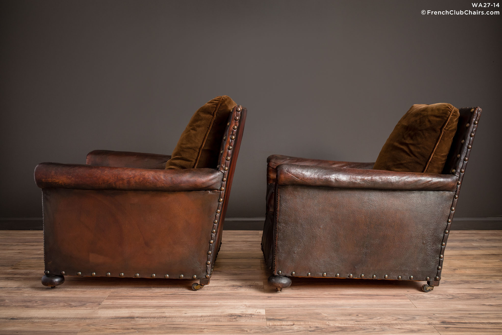 WA_27-14_Ile_de_St_Louis_Nailed_Square_Pair_R_4LT-v01-williams-antiks-leather-french-club-chair-wa_fcccom