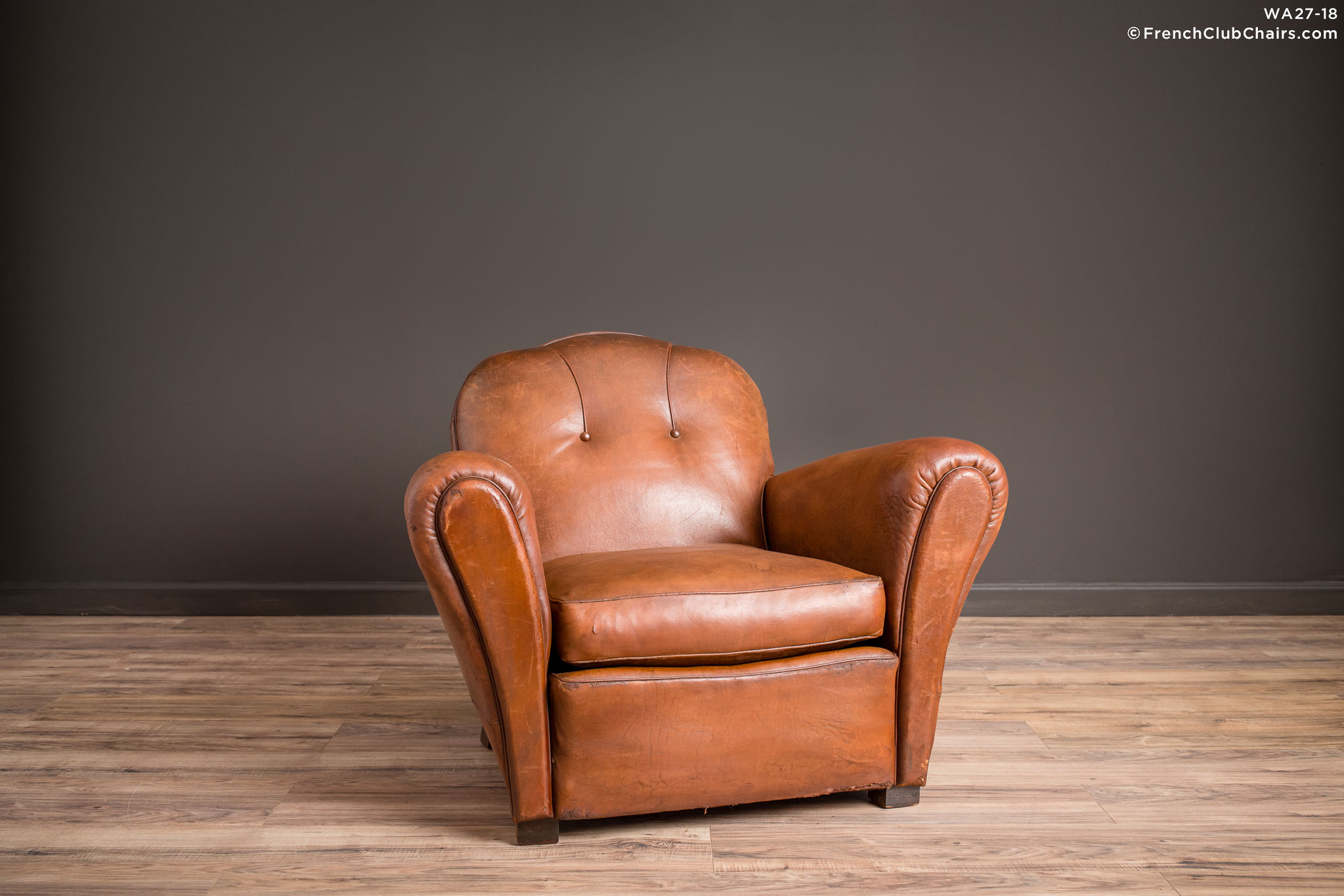 WA_27-18_St_Ouen_Trefle_Solo_R_1TQ-v01-williams-antiks-leather-french-club-chair-wa_fcccom