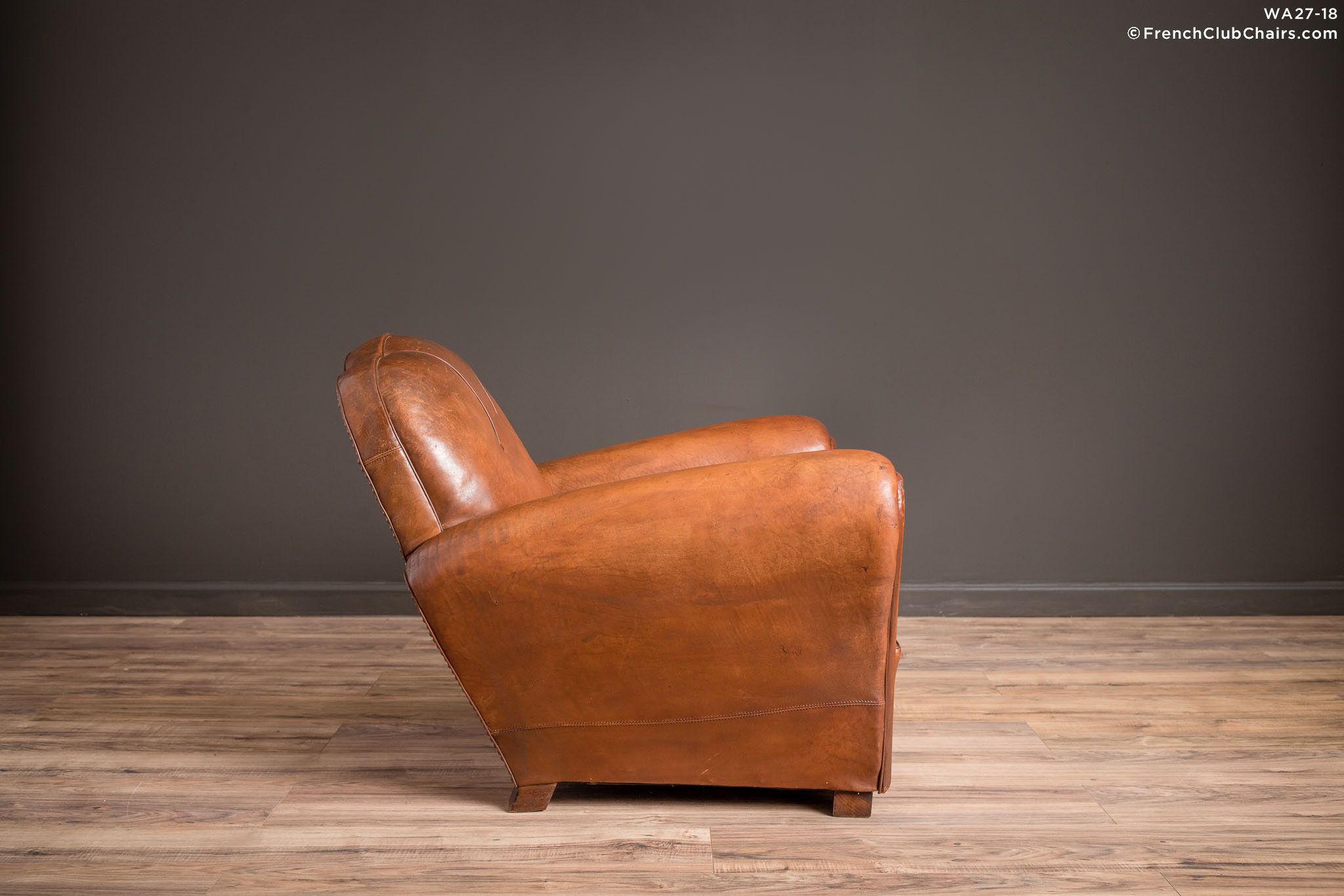 WA_27-18_St_Ouen_Trefle_Solo_R_3RT-v01-williams-antiks-leather-french-club-chair-wa_fcccom