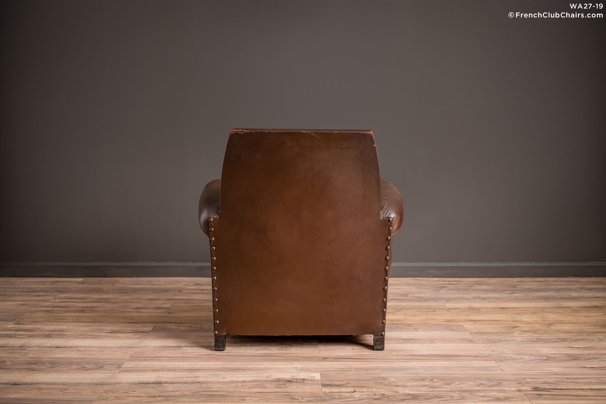 WA_27-19_The_Director_Nailed_High_Back_Solo_R_2BK-v01-williams-antiks-leather-french-club-chair-wa_fcccom