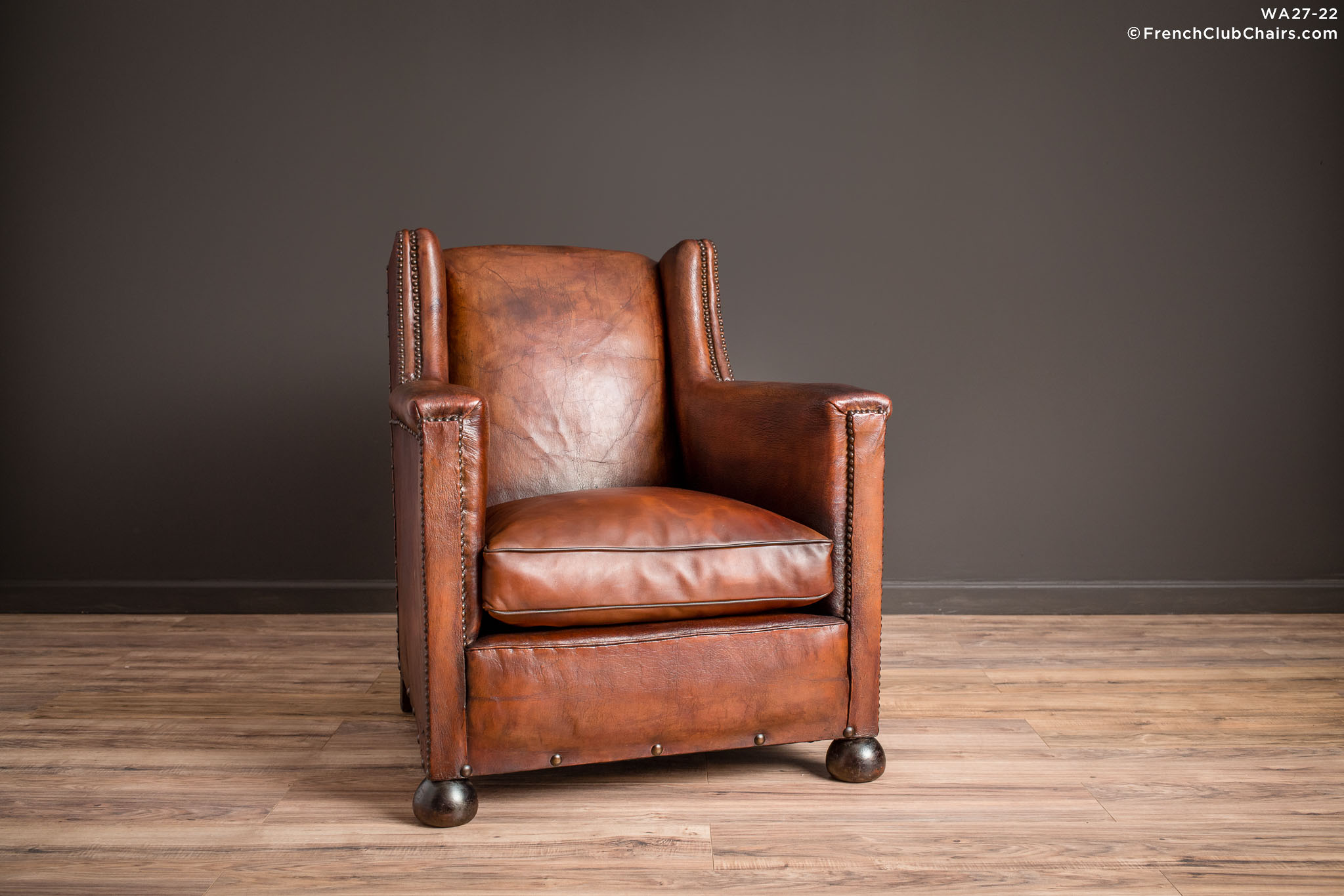 WA_27-22_Monthlery_Wingback_Solo_R_1TQ-v01-williams-antiks-leather-french-club-chair-wa_fcccom