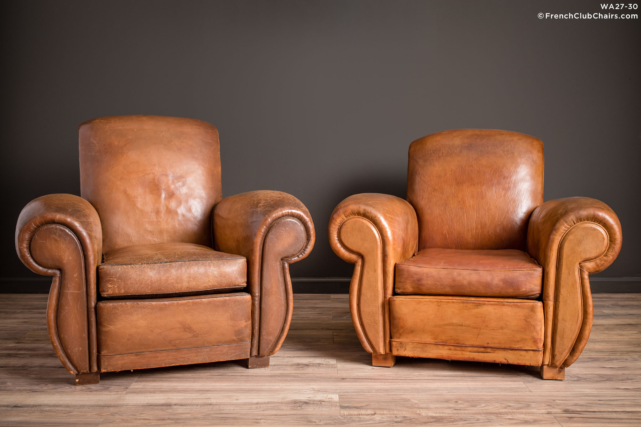 WA_27-30_Giant_Flare_Rollback_Pair_R_1TQ-v01-williams-antiks-leather-french-club-chair-wa_fcccom