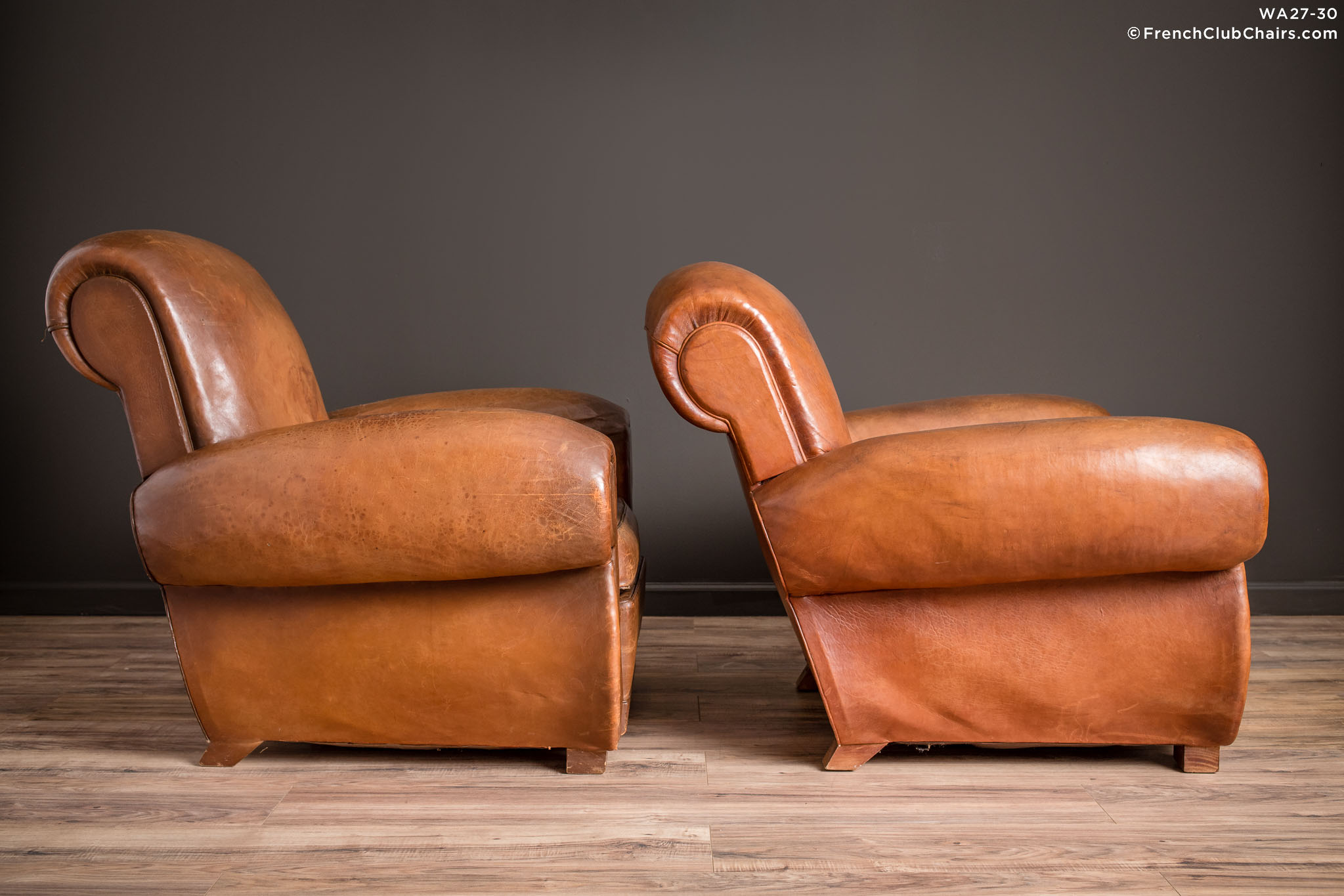 WA_27-30_Giant_Flare_Rollback_Pair_R_3RT-v01-williams-antiks-leather-french-club-chair-wa_fcccom