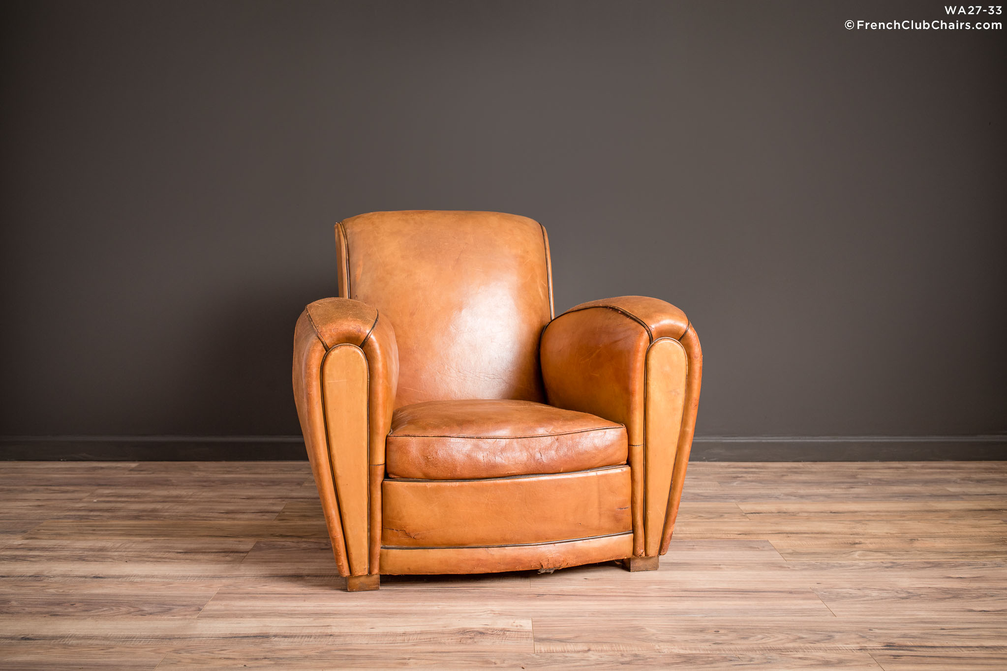 WA_27-33_Slope_Saintes_Solo_R_1TQ-v01-williams-antiks-leather-french-club-chair-wa_fcccom