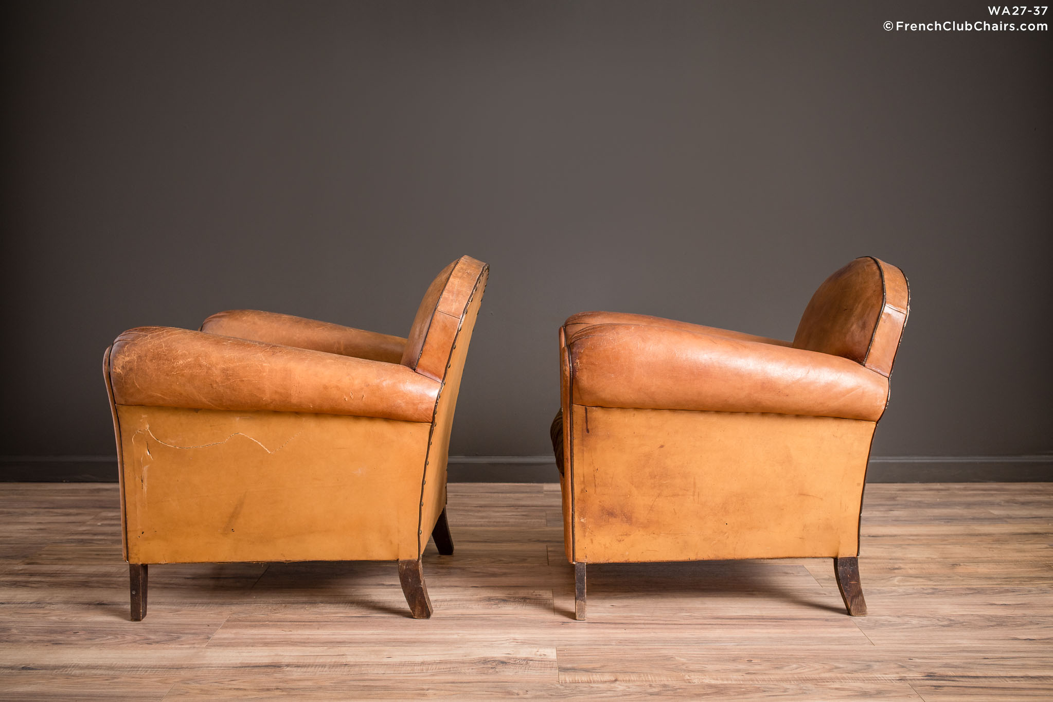 WA_27-37_Petite_Cinema_Etretat_Pair_R_4LT-v01-williams-antiks-leather-french-club-chair-wa_fcccom