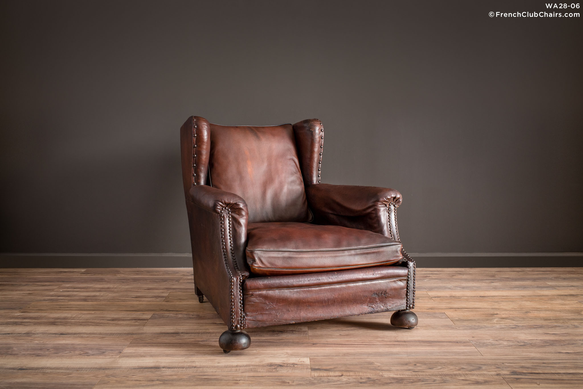WA_28-06_Wingback_Solo_R_1TQ1-williams-antiks-leather-french-club-chair-wa_fcccom