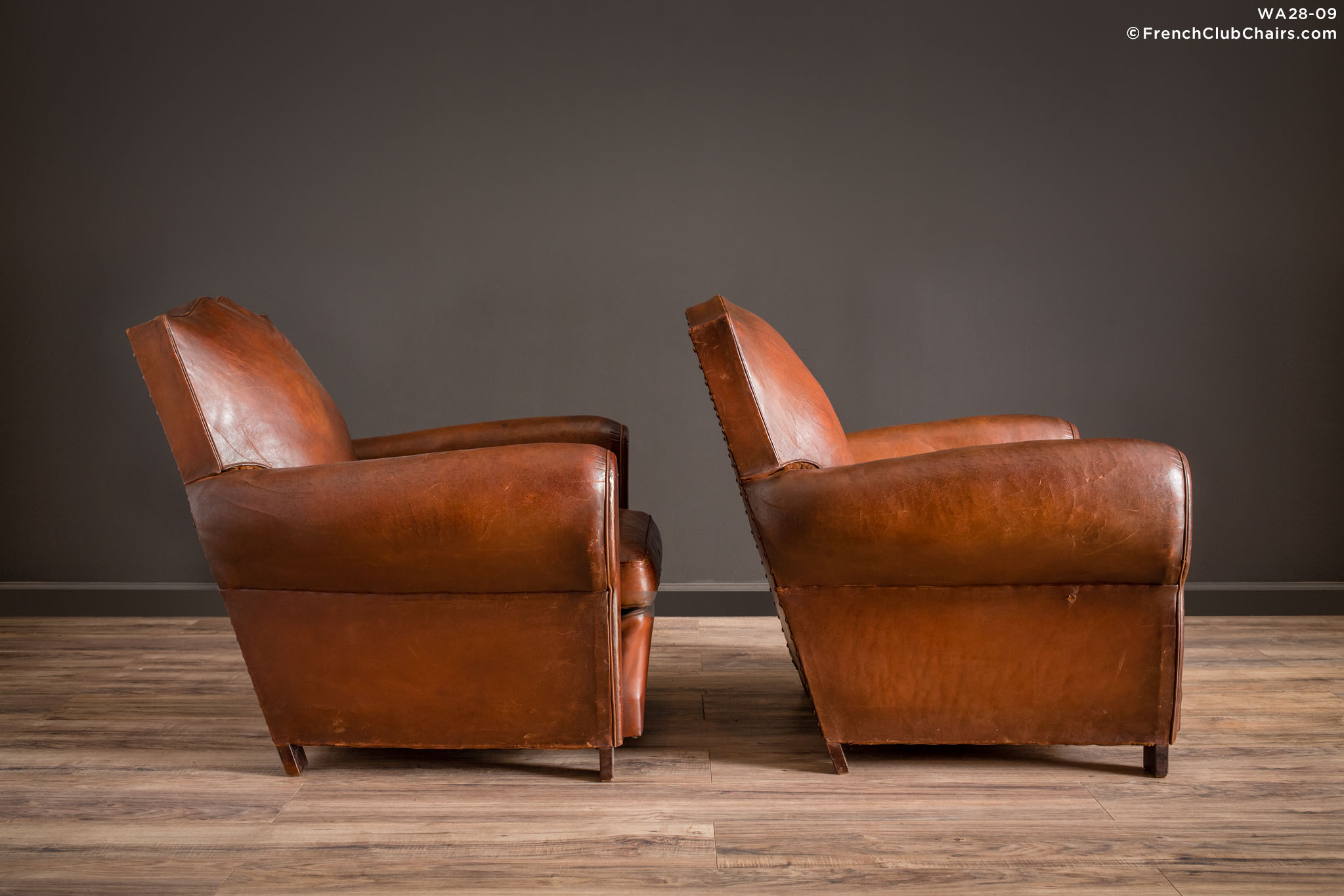 WA_28-09_Epernay_Moustache_Pair_R_3RT1-williams-antiks-leather-french-club-chair-wa_fcccom