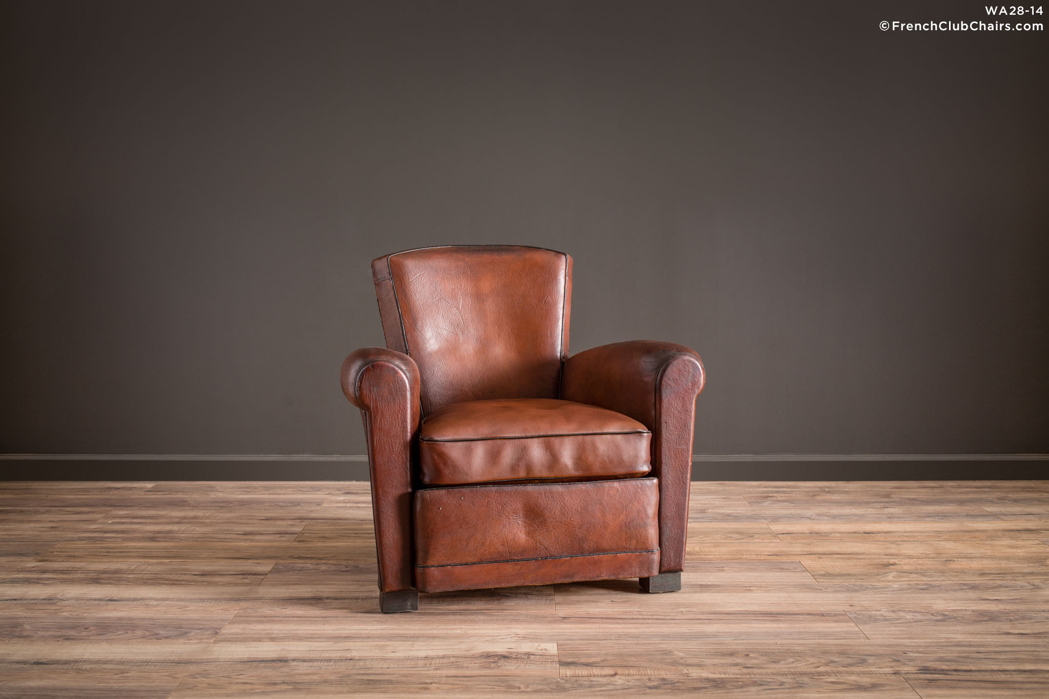 WA_28-14_Landon_Corbeille_Solo_R_1TQ1-williams-antiks-leather-french-club-chair-wa_fcccom