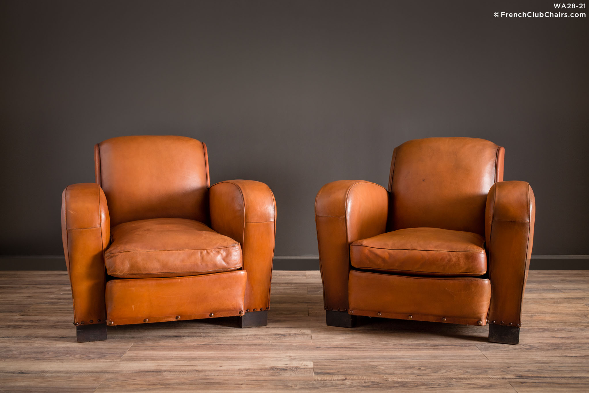 WA_28-21_Marsailles_Paquebot_Pair_R_1TQ1-williams-antiks-leather-french-club-chair-wa_fcccom