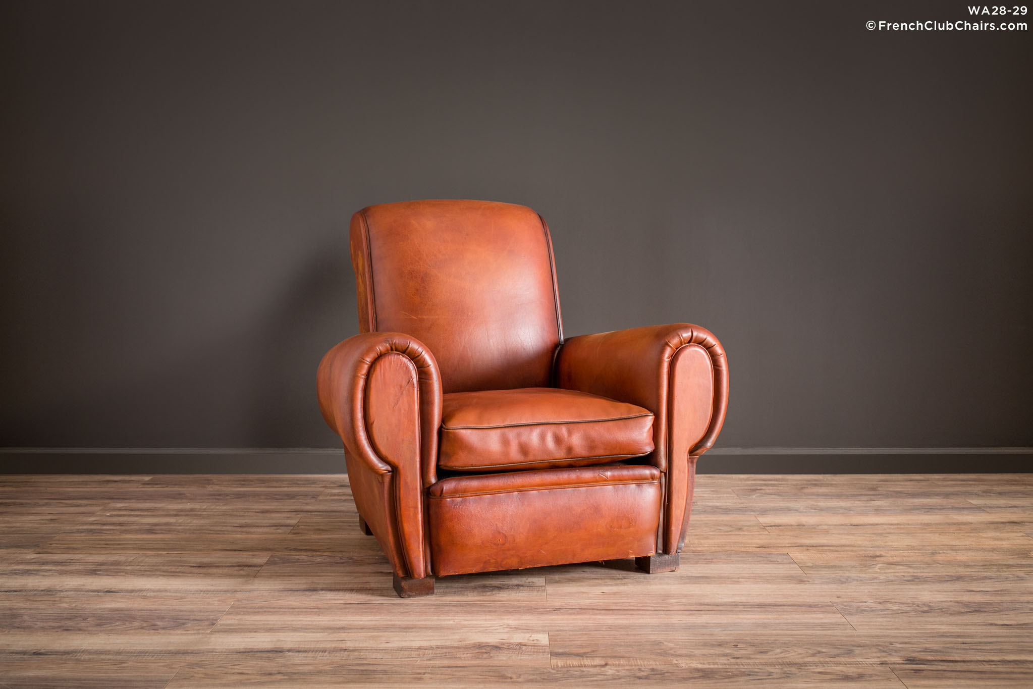 WA_28-29_Giant_Lille_Caramel_Rollback_Solo_R_1TQ1-williams-antiks-leather-french-club-chair-wa_fcccom