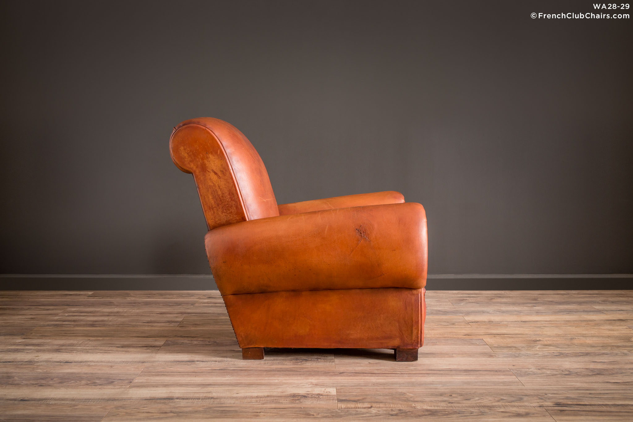 WA_28-29_Giant_Lille_Caramel_Rollback_Solo_R_3RT1-williams-antiks-leather-french-club-chair-wa_fcccom