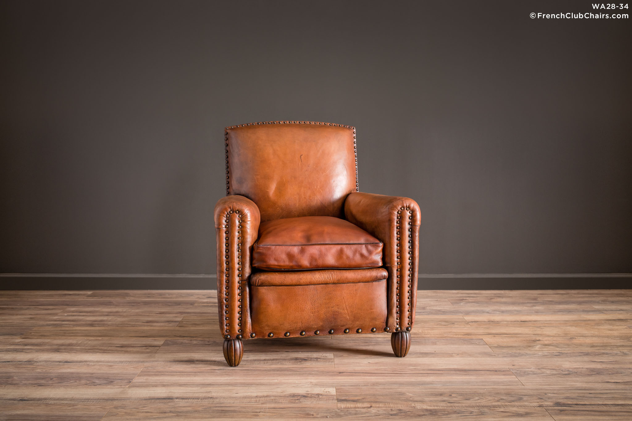 WA_28-32_Moutenee_Library_Solo_R_1TQ1-williams-antiks-leather-french-club-chair-wa_fcccom